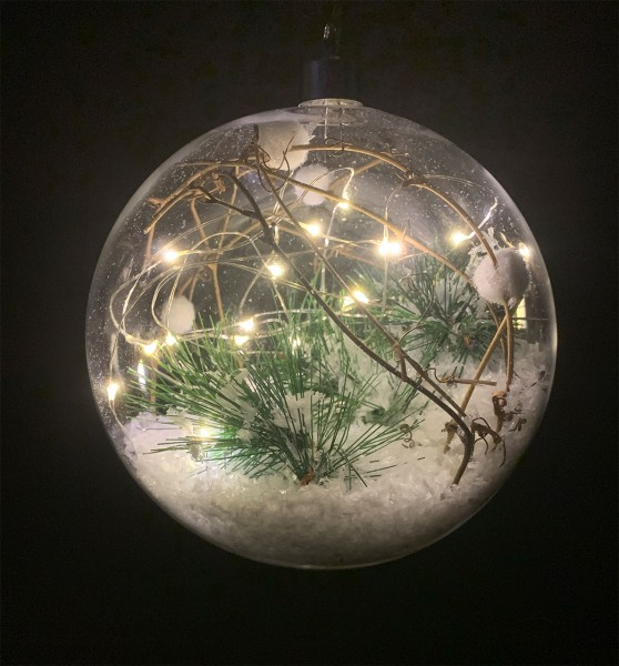 """Kugel """"Wintertanne"""" Glas, klar LED mit Timer D15cm"""
